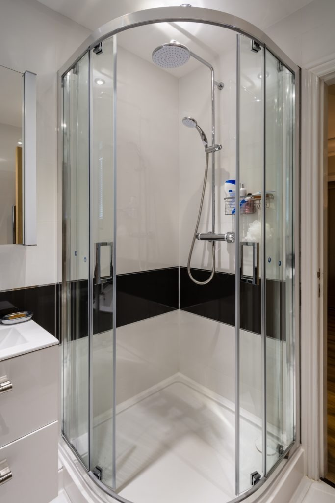 Corner Shower Cubicle with sliding glass doors