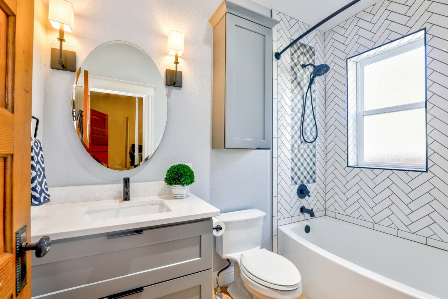 bathroom interior with toilet sink and bathtub